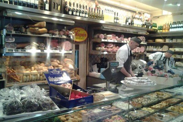 Bottega, caffè e cucina Scapin di Verona - Ponte Pietra