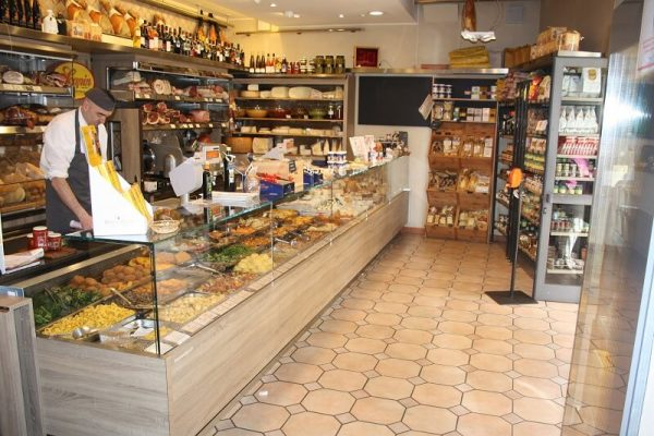 Store, coffee and restaurant Scapin in Verona - Ponte Pietra