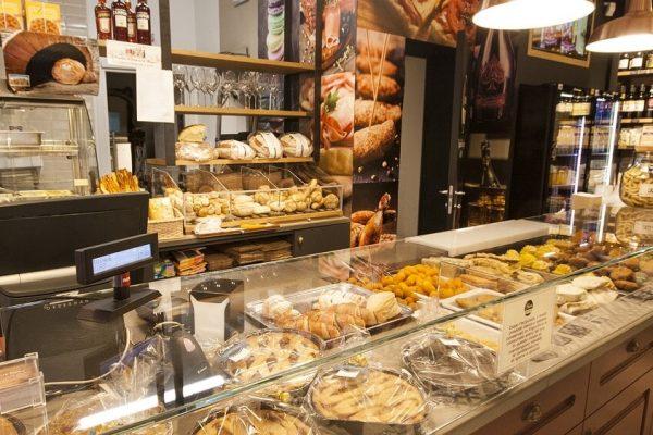 Store, coffee and restaurant Scapin in Verona - Ponte Vittoria